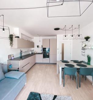 Pronájem bytu 3+kk, 75 m2 - Sokolovská, Praha 8