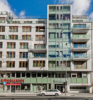 Prodej bytu 1+kk, 36 m2 - Komunardů, Praha 7