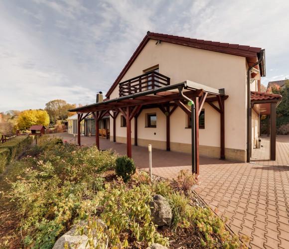 Prodej domu  650 m2 - Nad Lesem