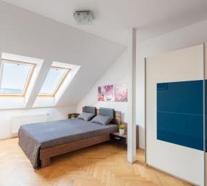 Prodej bytu atypický, 321 m2 - Lípová, Praha 2