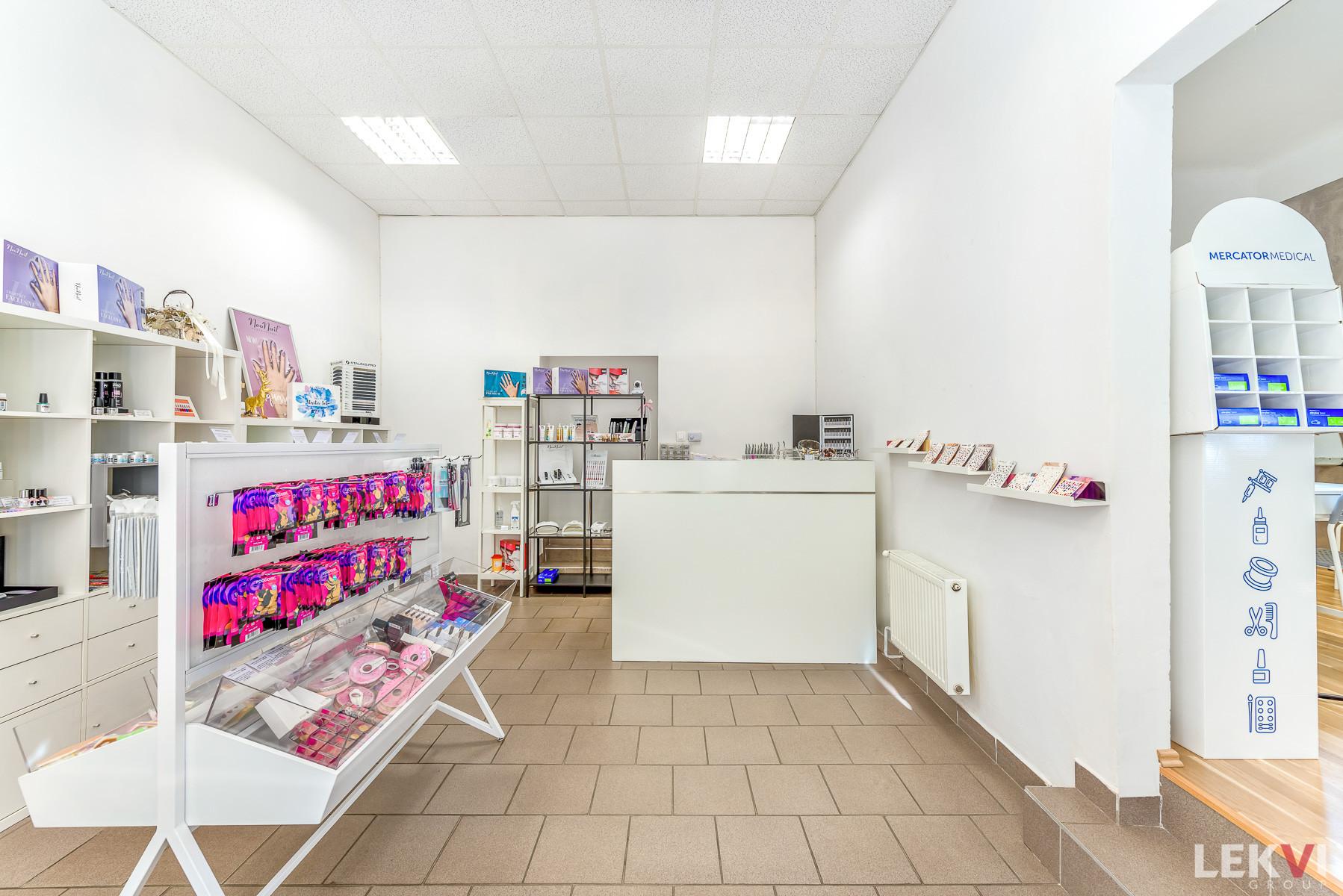 Pronájem komerční obchodní prostory, 56 m2 - Kolínská, Praha 3