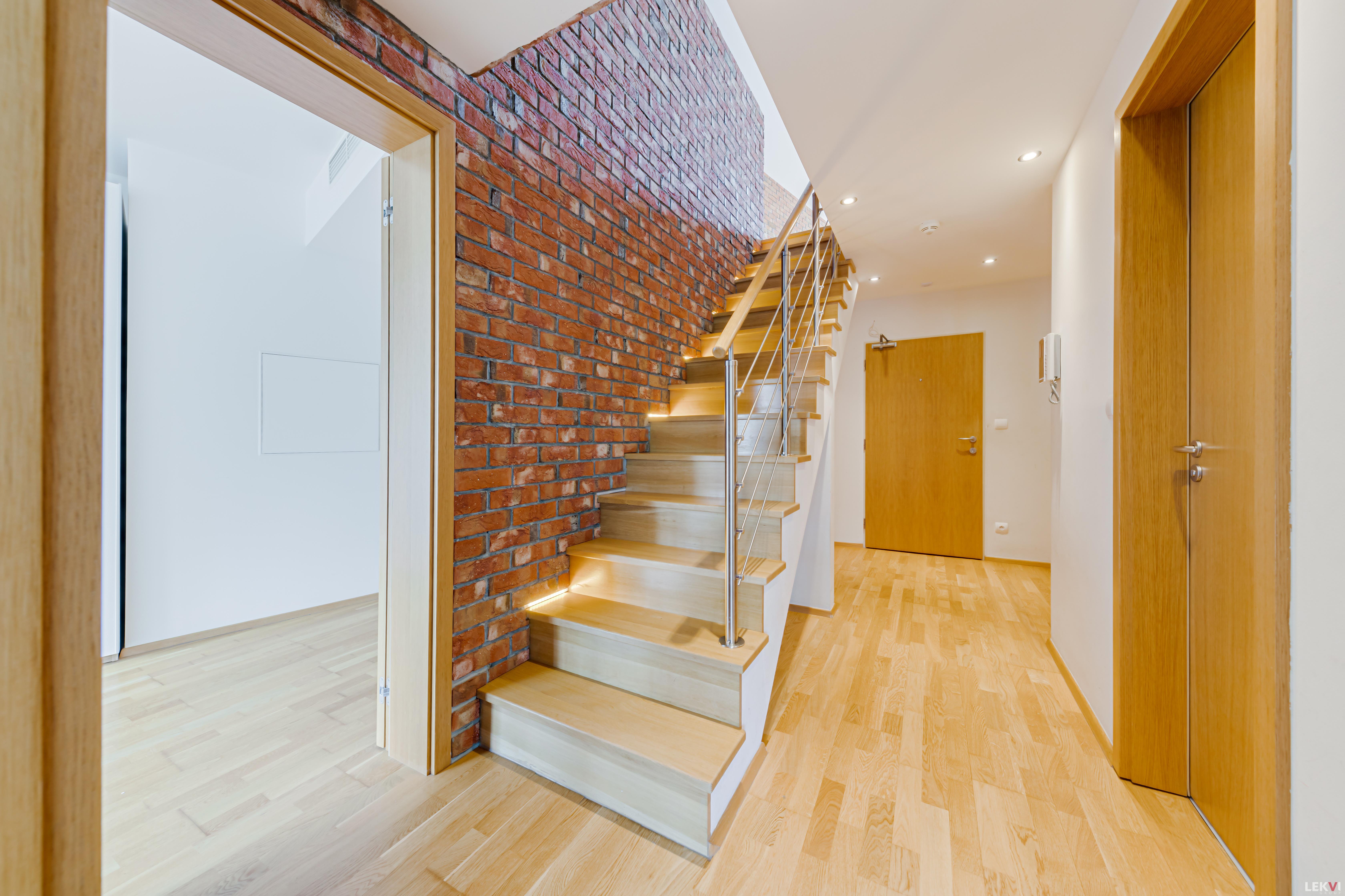 Prodej bytu 4+kk, 141 m2 - Pitterova, Praha 3