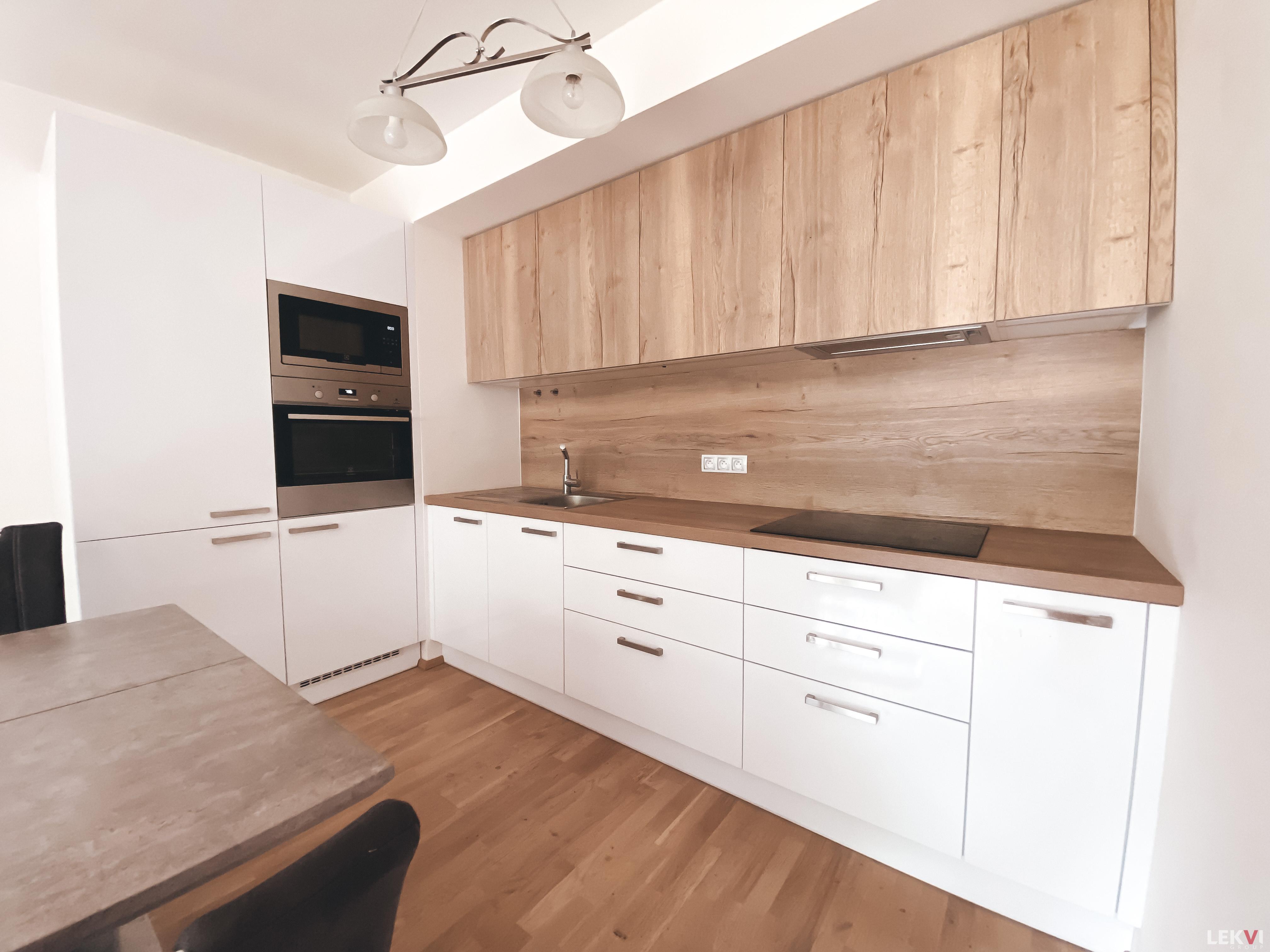 Pronájem bytu 2+kk, 49 m2 - Mozartova, Praha 5